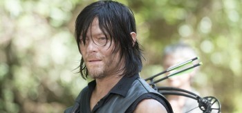 norman-reedus-the-walking-dead-5.10-them-350x164