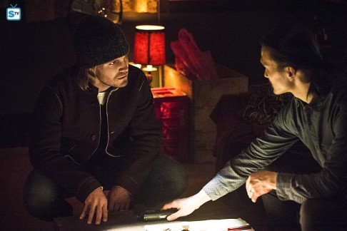 Stephen Amell Karl Yune Arrow Broken Arrow