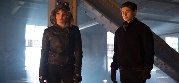 Camren Bicondova David Mazouz Gotham Beasts Of Prey 01 350x164