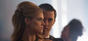 Erin Richards Milo Ventimiglia Gotham Under Knife 01 350x164