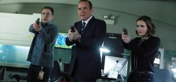 Iain De Caestecker Clark Gregg Elizabeth Henstridge Agents of S.H.I.E.L.D. S.O.S. part 1