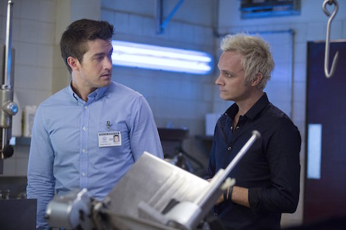 Robert Buckley David Anders iZombie Episode 12