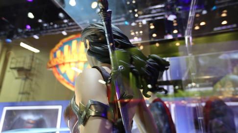 batman-v-superman-wonder-woman-17