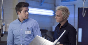 Robert Buckley David Anders iZombie Season 1 Episode 12