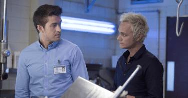 Robert Buckley David Anders iZombie Season 1 Episode 12