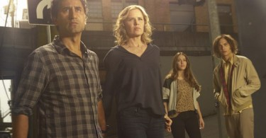 Cliff Curtis Kim Dickens Frank Dillane Alycia Debnam-Carey Fear the Walking Dead Cast Photo