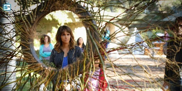 Halle Berry McKenna Roberts Extant You Say You Want an Evolution