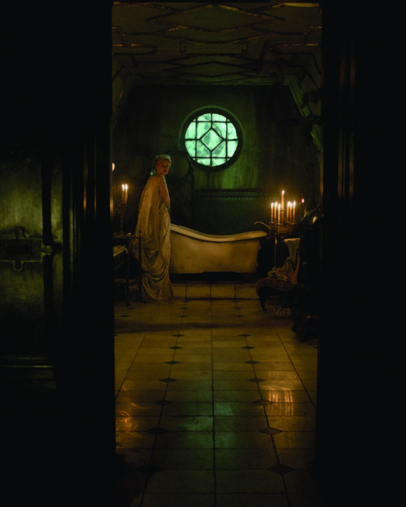crimson-peak-set-image-01