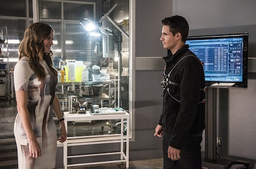 Danielle Panabaker Robbie Amell The Flash The Man Who Saved Central City