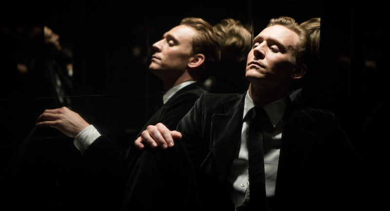 tom-hiddleston-high-rise-02