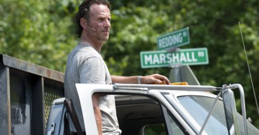 andrew-lincoln-the-walking-dead-first-time-again-01-600x350