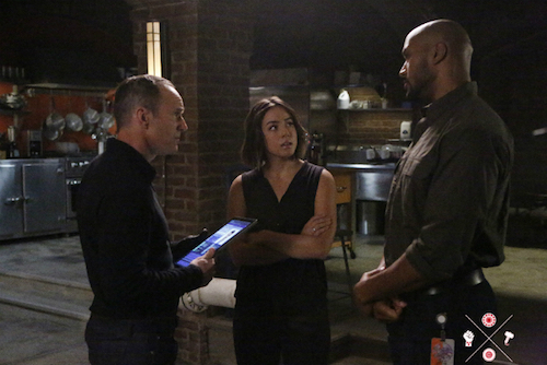 Clark Gregg Chloe Bennet Henry Simmons Agents of SHIELD A Wanted Inhuman