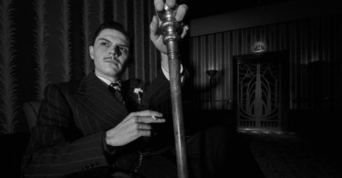 evan-peters-american-horror-story-chutes-and-ladders-01-600x350