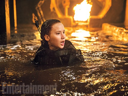 Jennifer Lawrence Sewer Fire The Hunger Games Mockingjay Part 2