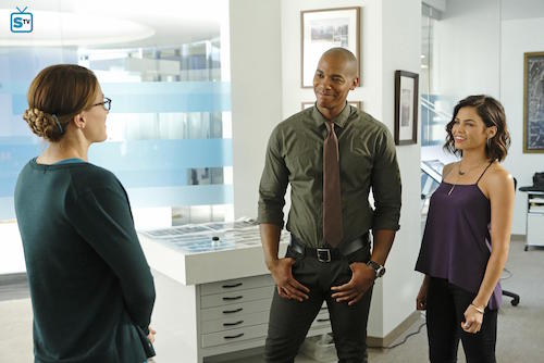 Supergirl Fight or Flight Melissa Benoit Mehcad Brooks Jenna Dewan-Tatum