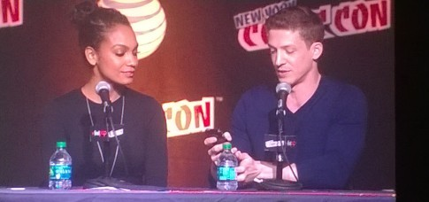 Zach Appelman Lyndie Greenwood Sleepy Hollow NYCC 2015