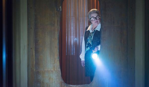 Kathy Bates American Horror Story Flicker