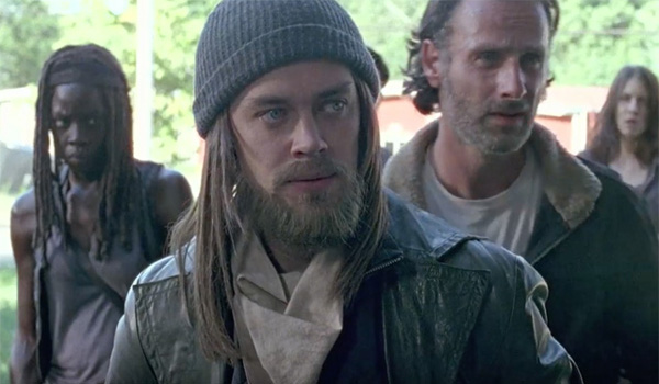 The Walking Dead Tom Payne Knots Untie