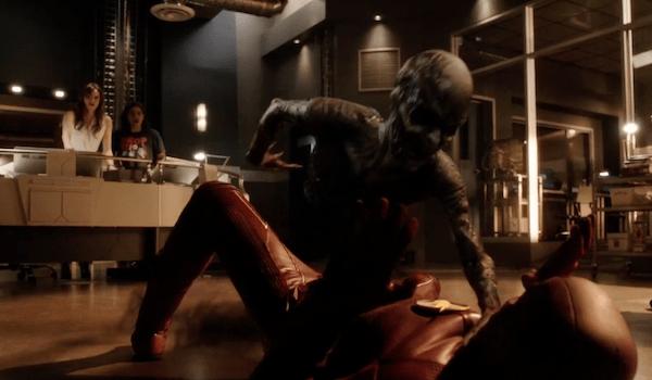 Danielle Panabaker Carlos Valdes Grant Gustin Flash Back The Flash Trailer