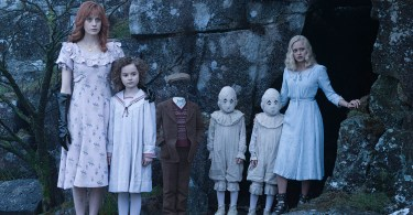 Ella Purnell Pixie Davies Lauren McCrostie Cameron King Thomas Odwell Joseph Odwell Miss Peregrine's Home for Peculiar Children