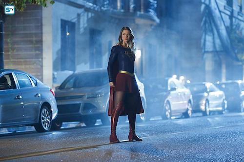 Melissa Benoist Changing Supergirl