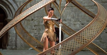 Gal Gadot God Killer Sword Wonder Woman