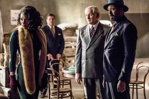 Candice Patton Victor Garber Jesse L. Martin Duet Supergirl The Flash