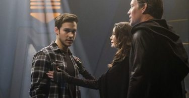 Chris Wood Teri Hatcher Kevin Sorbo Star-Crossed Supergirl