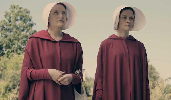 Elizabeth Moss Alexis Bledel Pilot The Handmaid's Tale