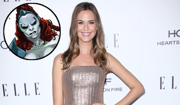 Odette Annable Reign Supergirl