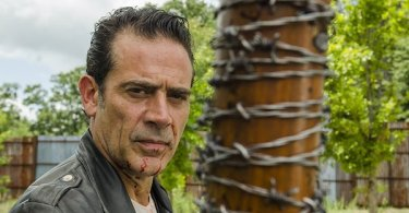 Jeffrey Dean Morgan The Walking Dead Hearts Still Beating