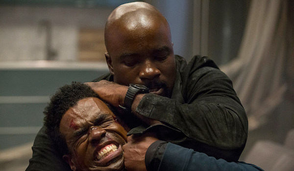 Mike Colter Head Lock Luke Cage Season 2
