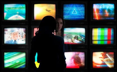 Gal Gadot TV Sets Wonder Woman 1984