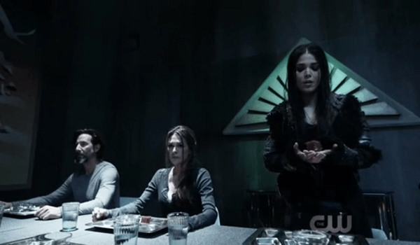 Henry Ian Cusick Paige Turco Marie Avgeropoulos The 100 The Dark Year