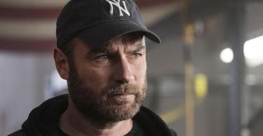 Liev Schreiber Yankees Hat Ray Donovan State Island Part One