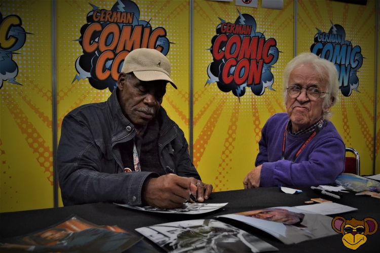 Legenden unter sich: Danny Glover (Lethal Weapon) und Mike Edmonds (der Ewok- Schamane aus Star Wars)