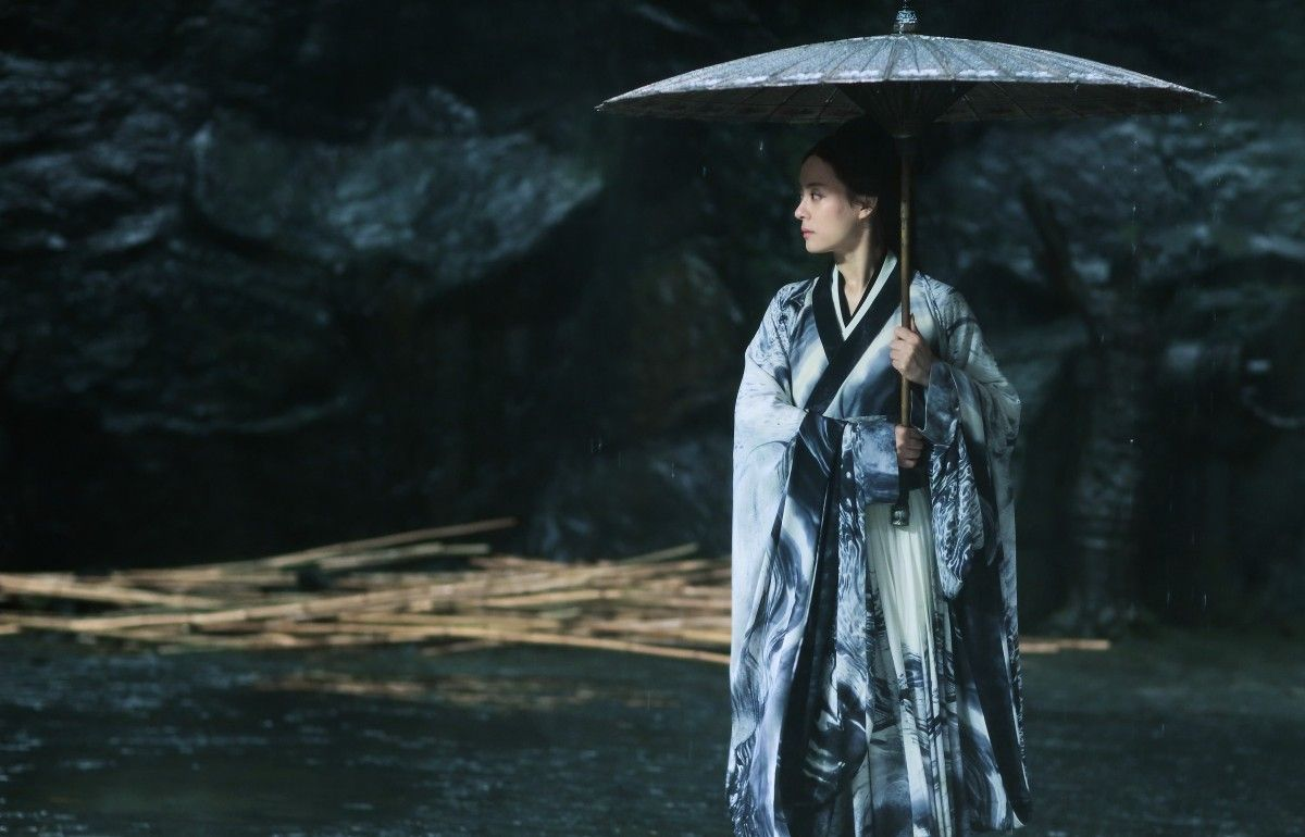 Review: Zhang Yimou's SHADOW Brims With A Climatic Equilibrium Of Bi-Colorful Wuxia Mastery