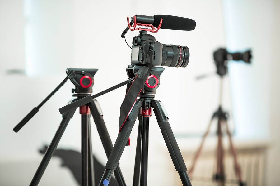 10 Best Dslr Video Tripods For Beginners Travel And Pros 2020