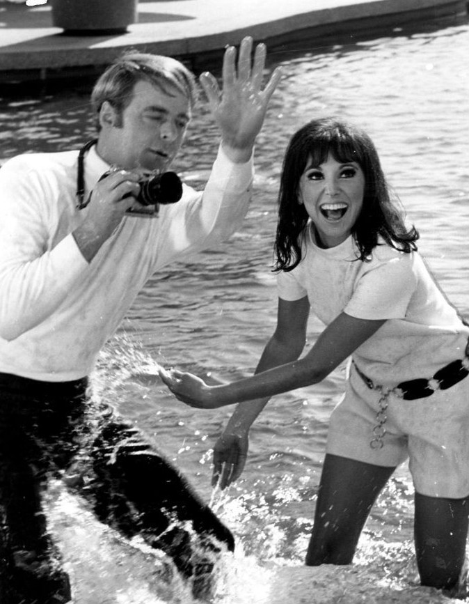 Garry Marshall on the set of 'That Girl' with Marlo Thomas in 1967 – photo by ABC Television
