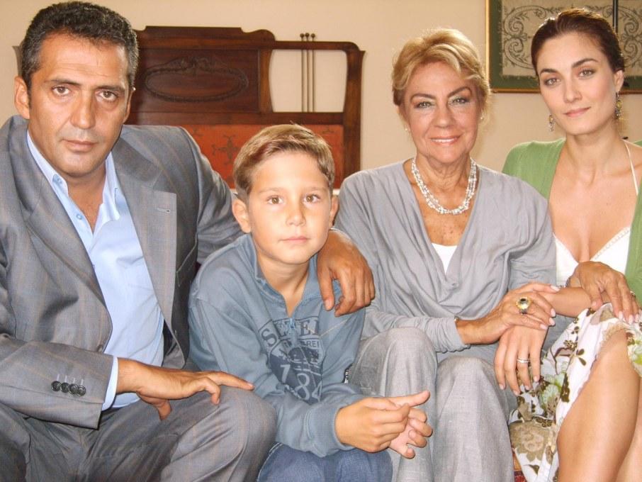 Yanık Koza   Tradare in familie