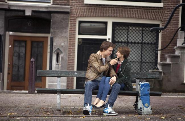Scene from The Fault in Our Stars © James Bridges/TM—20th Century Fox