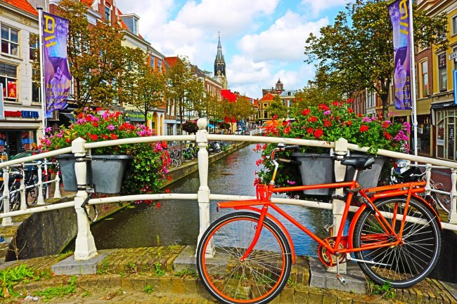 A typical Dutch view in Delft