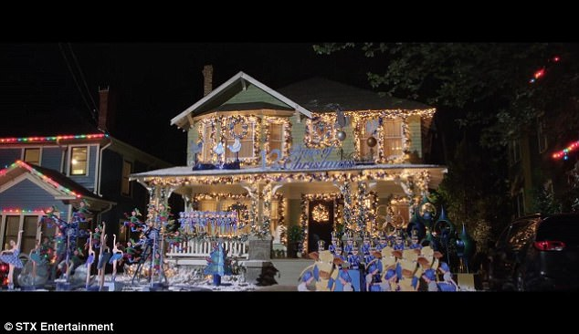 "Amy's house decorated by her mom in ""A Bad Moms Christmas"" Photo: © Motion Picture Artwork 2017 STX Financing, LLC"