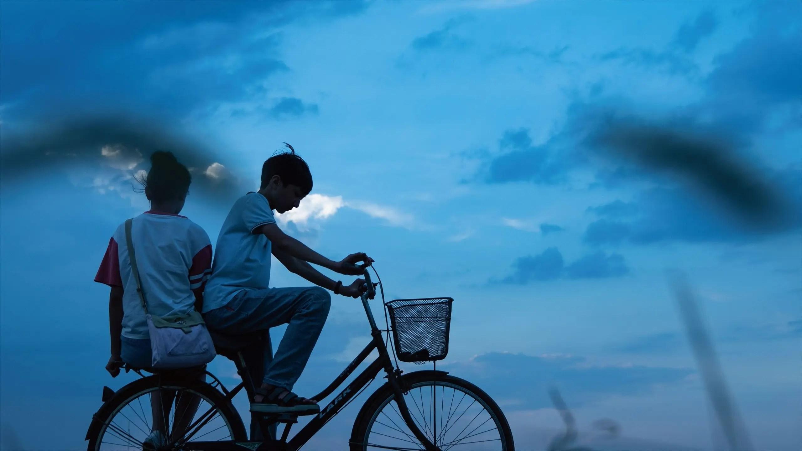 Huang Tian, Zhang Xinyuan in Han Nan Xia Ri   Summer Blur   Sommerflirren by Han Shuai   CHN 2020, Generation   © FactoryGateFilms