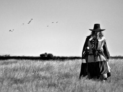 Copy of field-in-england-2013-001-man-in-wheat-field_1000x750