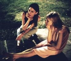 Sofia Coppola con Kirsten Dunst durante la filmación de The Virgin Suicides
