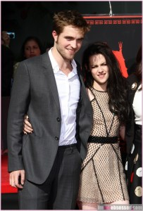 robert-pattinson-kristen-stewart_8118386-868x12801
