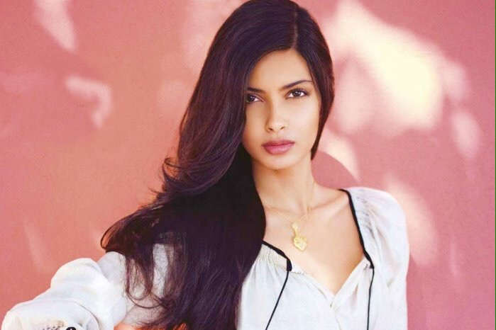 Farhan Akhtar And Diana Penty Join Hands For 'Lucknow Central'