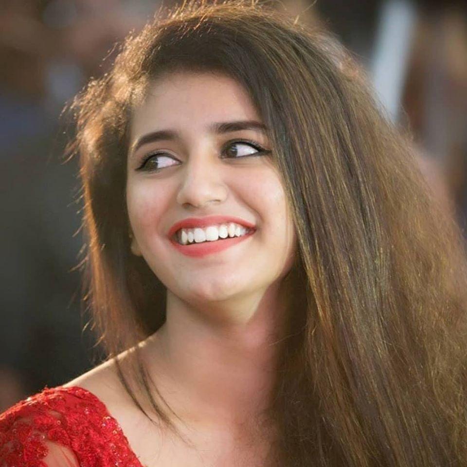 108+ Cute Photos of Priya Prakash Varrier 3