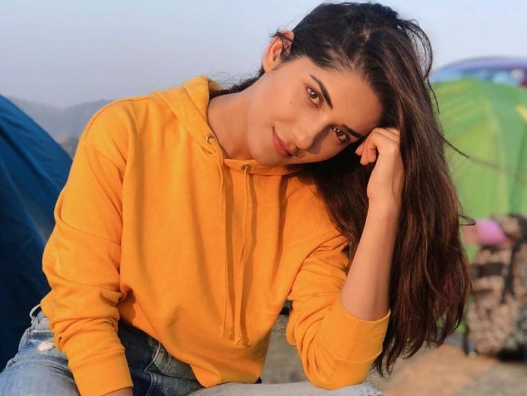 89+ Gorgeous Photos of Ruhani Sharma 114